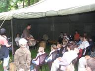 Výuka bubnování v zahradě